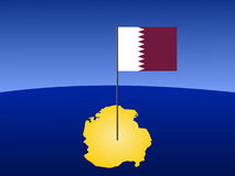 Map of Qatar with flag. Map of Qatar and their flag on pole illustration Royalty Free Stock Photos