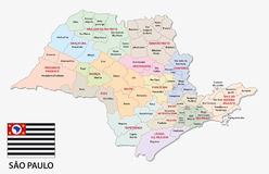 Mapa administrativo y político de Sao Paulo con la bandera libre illustration