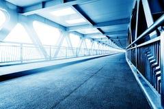 Mapa azul de la tonalidad del puente moderno Imagenes de archivo