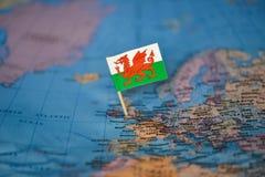 Mapa com a bandeira de Gales fotos de stock
