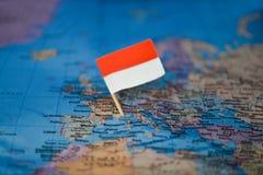 Mapa com a bandeira de M?naco imagem de stock