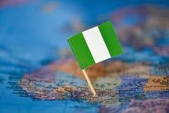 Mapa com a bandeira de Nigéria fotos de stock royalty free