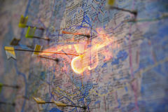 Mapa con el pasador fotos de archivo