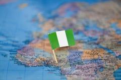 Mapa con la bandera de Nigeria fotografía de archivo