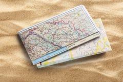 Mapa de estradas na areia Fotografia de Stock Royalty Free
