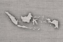 Mapa de Indonésia no linho velho imagem de stock