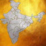 Mapa de la India, Asia con todos los estados y límite del país en modelo abstracto de plata digital creativo en fondo de oro bril Imagen de archivo libre de regalías