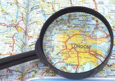 Mapa de Londres - de Grâ Bretanha sob a lupa Imagem de Stock Royalty Free