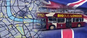Mapa de Londres y bus turístico grande del autobús imágenes de archivo libres de regalías