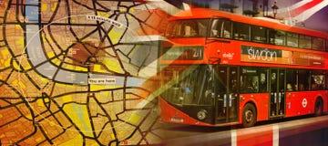 Mapa de Londres y un bus turístico imagenes de archivo