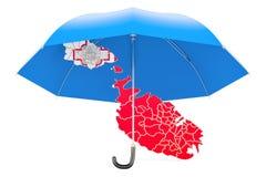 Mapa de Malta sob o guarda-chuva A segurança e protege ou seguro concentrado Imagens de Stock
