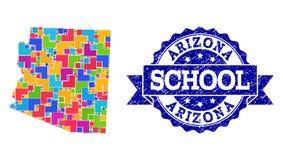 Mapa de mosaico del estado de Arizona y del collage texturizado del sello de la escuela stock de ilustración