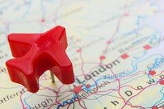 Mapa de Reino Unido con Plane Over London modelo Fotografía de archivo