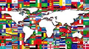 Mapa del mundo en el fondo de las banderas del mundo Imagen de archivo libre de regalías