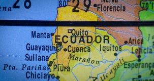 Mapa del país de Ecuador en el globo metrajes