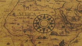Mapa del vintage de los continentes de África con el compás metrajes