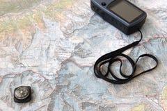 Mapa do Topo com GPS e compasso Imagens de Stock Royalty Free