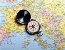 Mapa e compasso Imagens de Stock