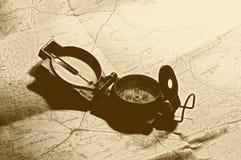 Mapa e compasso do curso Imagens de Stock Royalty Free