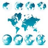 Mapa e globos de mundo Fotografia de Stock Royalty Free