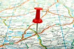 Mapa e pino vermelho Fotos de Stock Royalty Free