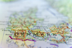 Mapa geográfico del país europeo Dinamarca con las ciudades importantes fotos de archivo libres de regalías