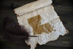 Mapa Louisiana stan na rocznika papierze z starym pi?rem na drewnianym tekstury biurku fotografia stock
