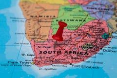 Mapa Południowa Afryka z czerwonym pushpin wtykającym Zdjęcie Stock