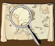 Mapa velho com magnifier Imagens de Stock Royalty Free