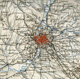Mapa viejo del atlas geográfico 1890 con un fragmento del Apennines, península italiana Ventanas viejas hermosas en Roma (Italia) Fotografía de archivo