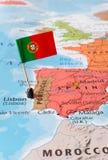 Mapa y bandera, concepto de Portugal del viaje imagen de archivo libre de regalías