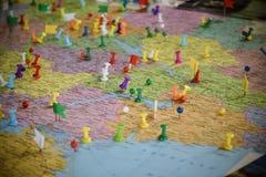 Mapa z Szpilkami Zdjęcia Royalty Free