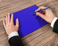 Mapp med papper och pennan, affärsidé Royaltyfri Bild
