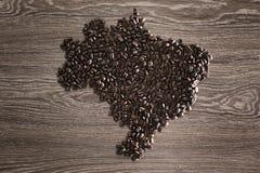 Mappa del Brasile con i chicchi di caffè Immagine Stock Libera da Diritti
