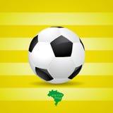Mappa del Brasile e del pallone da calcio di calcio 2014, illustrazione Fotografia Stock Libera da Diritti