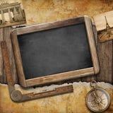 Mappa del tesoro, lavagna e vecchia bussola. Natura morta nautica Immagine Stock