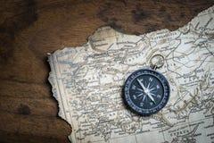 Mappa dell'annata e della bussola Fotografia Stock
