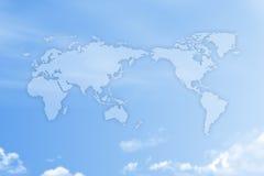 Mappa di mondo sul cielo Fotografie Stock