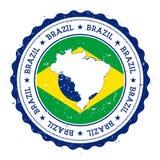 Mappa e bandiera del Brasile nel timbro di gomma d'annata di illustrazione vettoriale