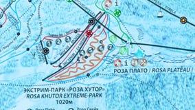 Mappa elettronica dei pendii dello sci della radura rossa stock footage