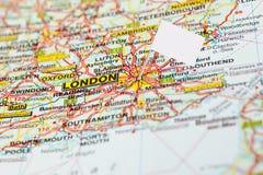 Mappa Londra con il puntatore della bandiera bianca Immagine Stock Libera da Diritti
