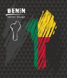 Mappa nazionale di vettore del Benin con la bandiera del gesso di schizzo Illustrazione disegnata a mano del gesso di schizzo Illustrazione Vettoriale
