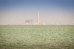 Maptaphut-Industriegebiet am sonnigen Tag der weit weg mit Blau Stockbild