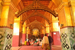 Maqhamuni Paya, Mandalay, Myanmar. fotografie stock libere da diritti