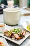 Maquereau frit avec de la sauce épicée Image stock