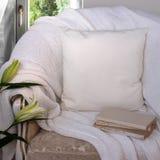 Maqueta blanca de la caja de la almohada Foto de archivo