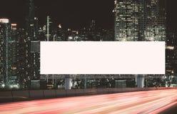 Maqueta de la cartelera al aire libre fotos de archivo libres de regalías