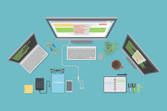 Maqueta del escritorio del programador Imagenes de archivo