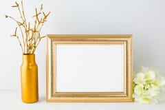 Maqueta del marco del oro del paisaje Imagen de archivo