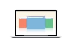 Maqueta del ordenador portátil del vector - exhibición con las ventanas abiertas Foto de archivo libre de regalías